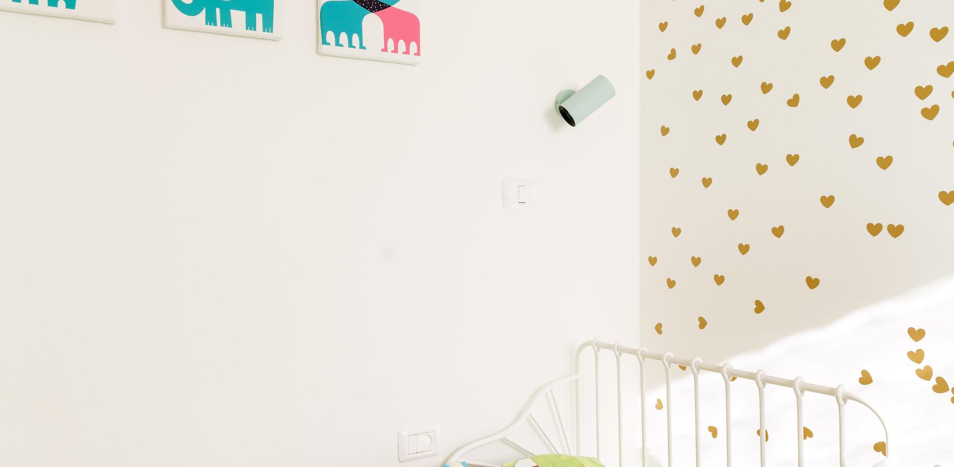 קיר מעוצב לפי בחירת הילדה