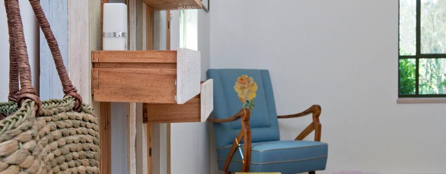 פינת מנוחה בחדר השינה- יצירה ישראלית
