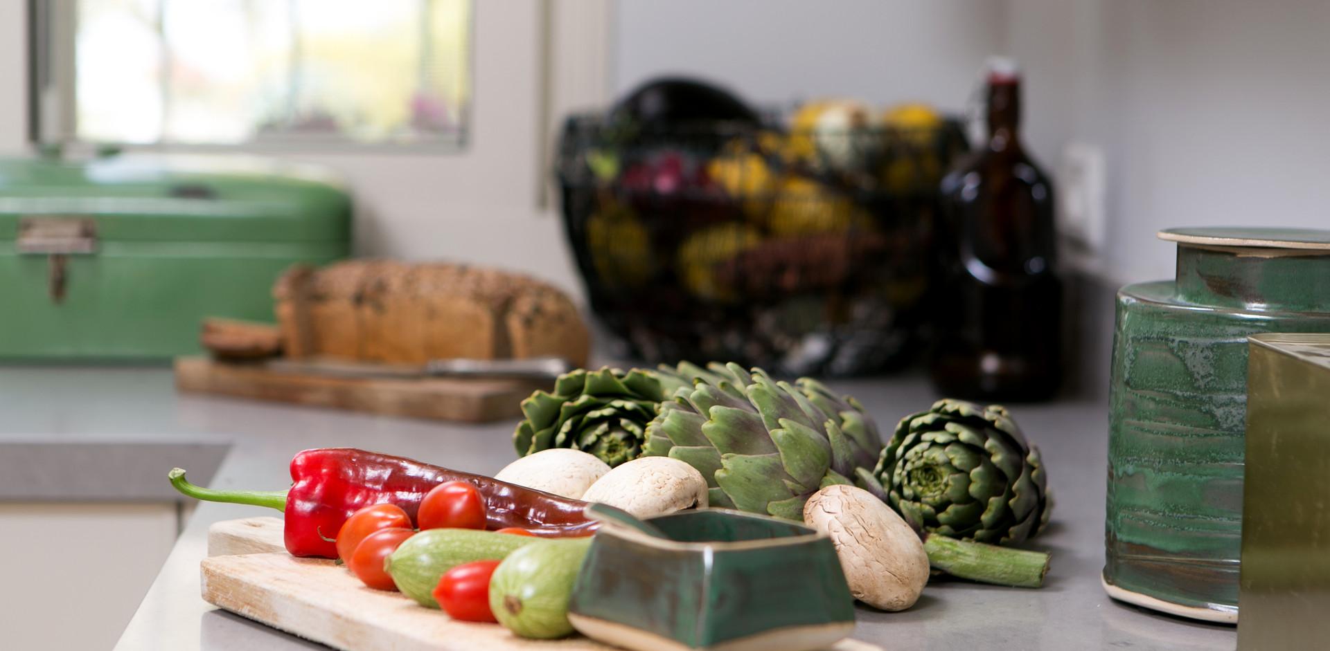 יצירה ישראלית משתלבת בעיצוב המטבח
