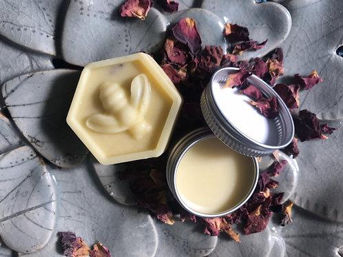 Sarah Vanity Lip Balm X Massage Bar Gift Set