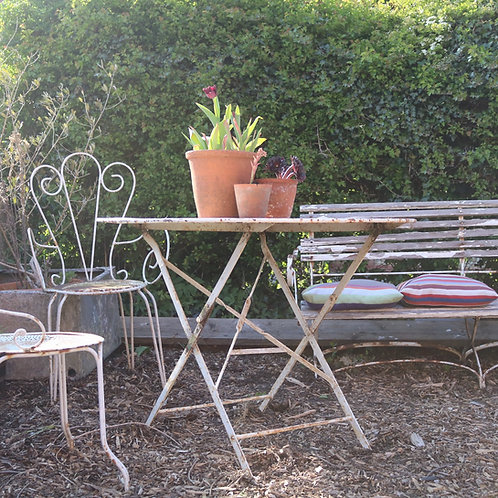 round folding bistro table