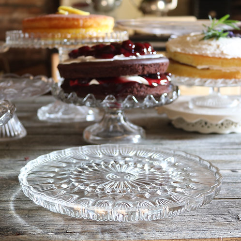 glass cake stands