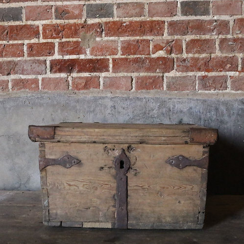 Swedish C18th Pine Chest