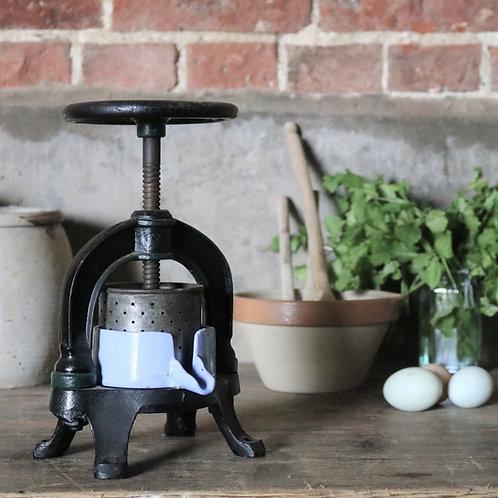 Cast Iron Vintage Press Juicer