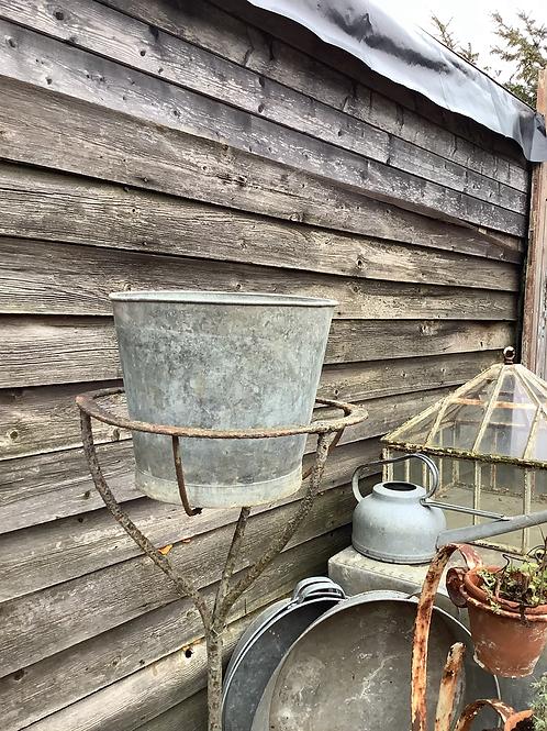 Potato Riddle Hanging Basket Stand