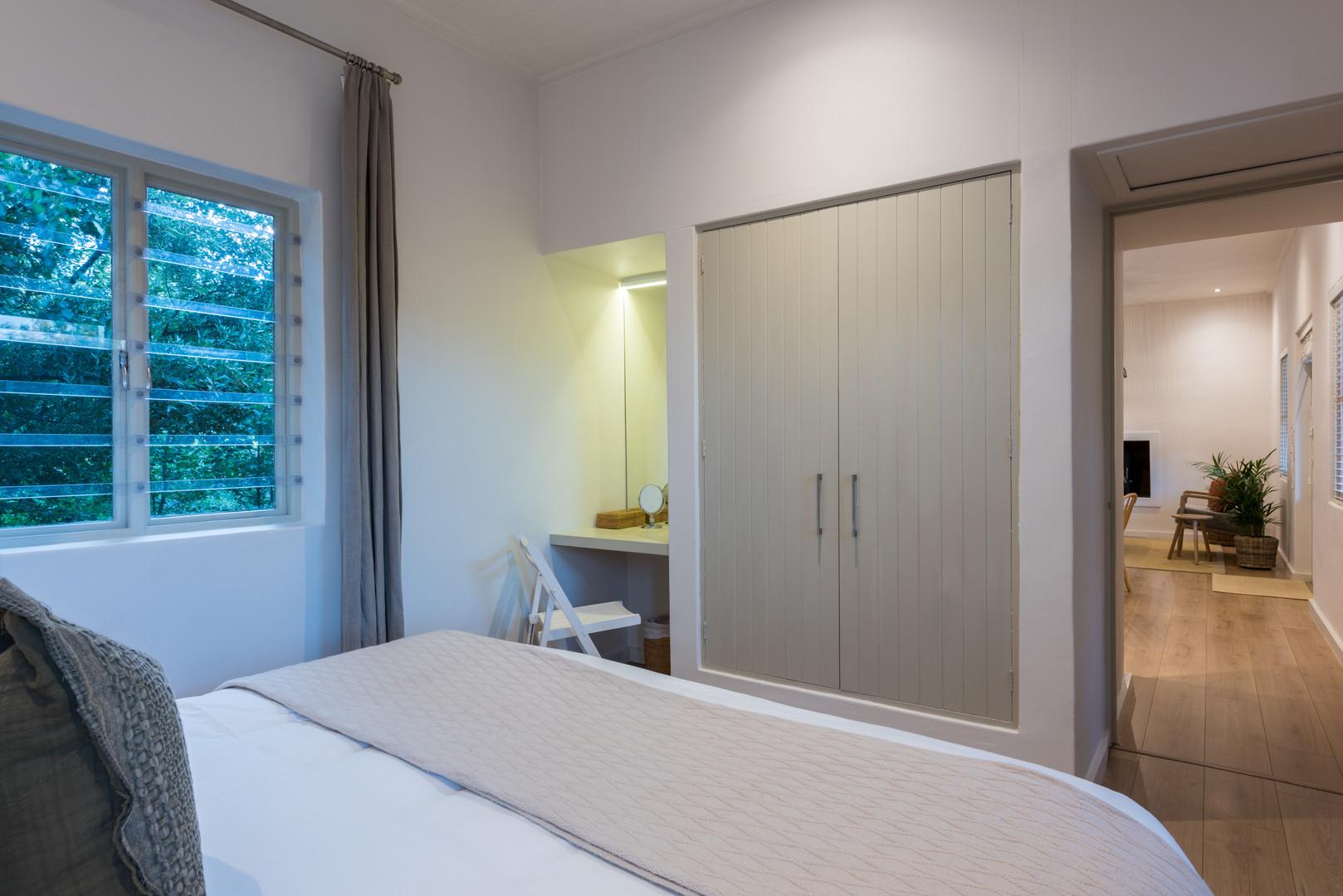 la chataigne guest suite - bedroom #7.JP