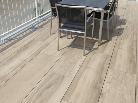 So macht Sommer richtig Spass – Naturstein-Platten auf Terrasse und Balkon