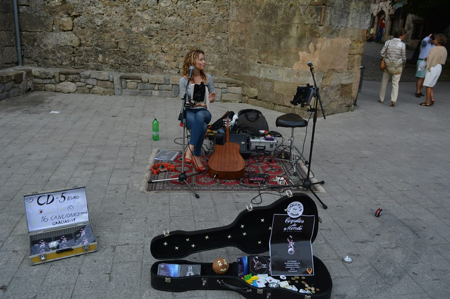 Petra, Buskers tuor in Spain