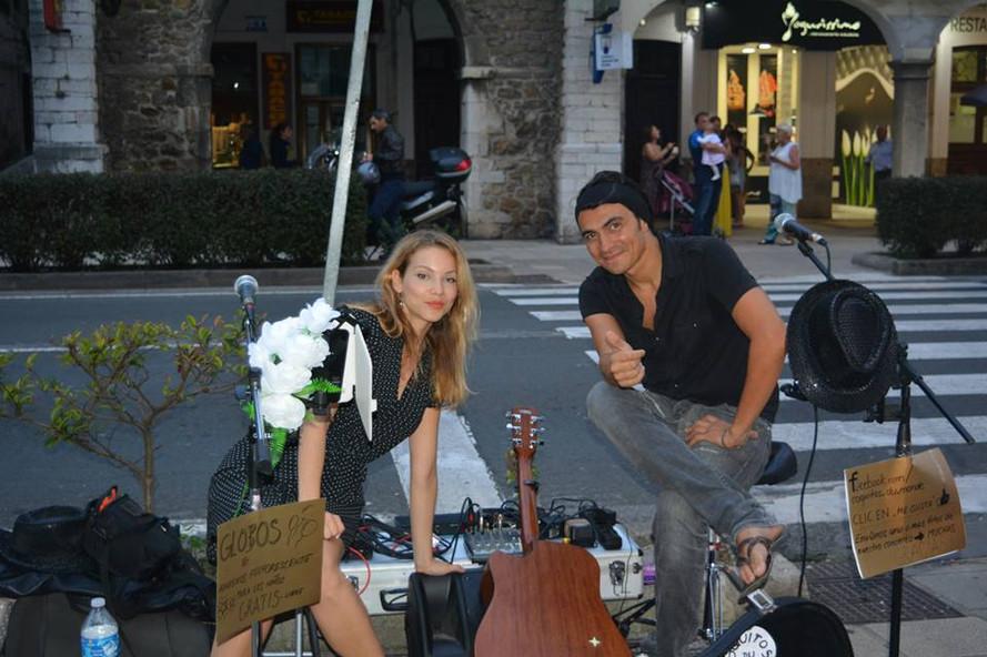 Petra&KEIS, buskers tour