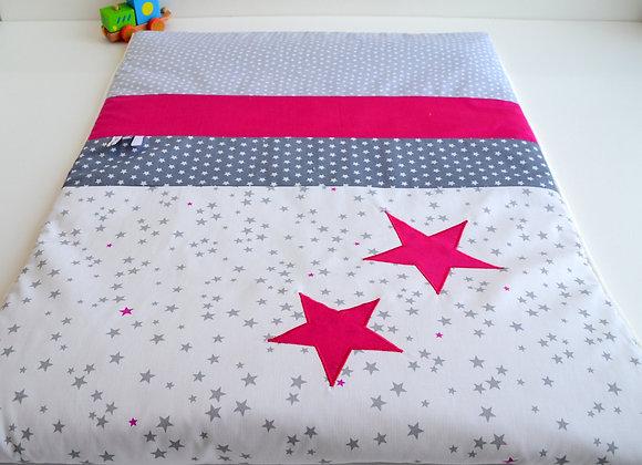 Couverture bébé personnalisable pluie d'étoiles gris et étoiles framboise