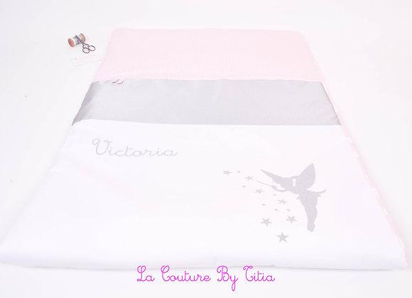 Couverture bébé personnalisable 80 x 120 blanc, rose et étoiles or