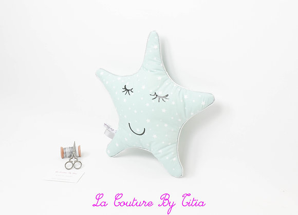 Coussin de décoration de chambre bébé forme étoile vert d'eau
