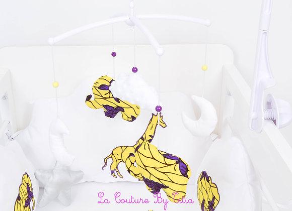 Mobile musical bébé éléphant wax jaune, violet et nuage en minky blanc