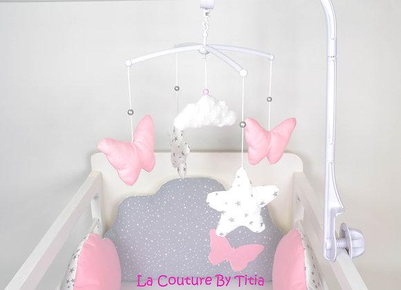 Mobile musical bébé  rose, étoiles et nuage en minky blanc
