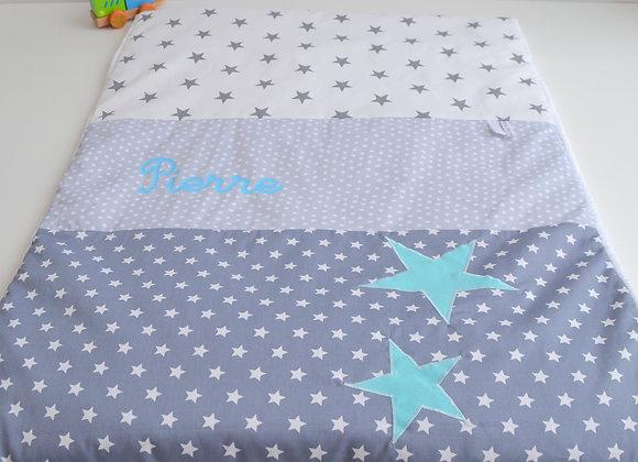 Couverture bébé personnalisable pois gris clair et étoiles bleu turquoise