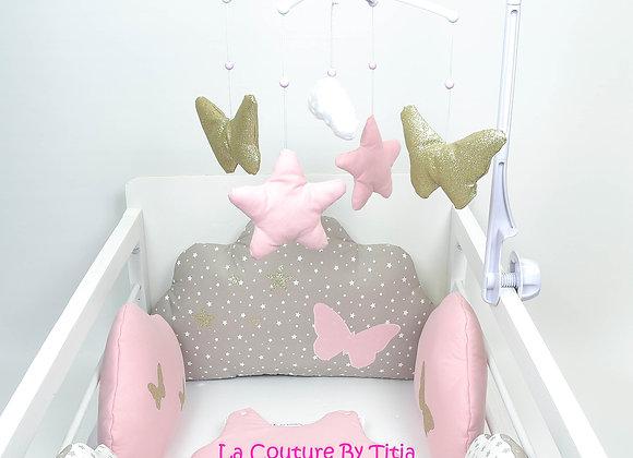 Mobile musical bébé papillon doré, nuage minky et étoiles rose