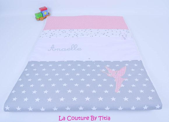 Couverture bébé personnalisable fée étoiles gris et rose poudré