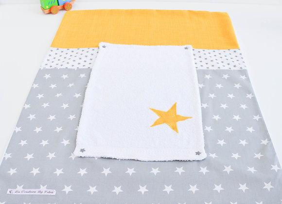 Housse de matelas à langer avec éponge gris et étoiles moutarde