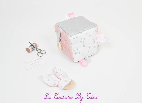 Cube, jeu d'éveil inspiration Montessori minky rose, argent et étoiles
