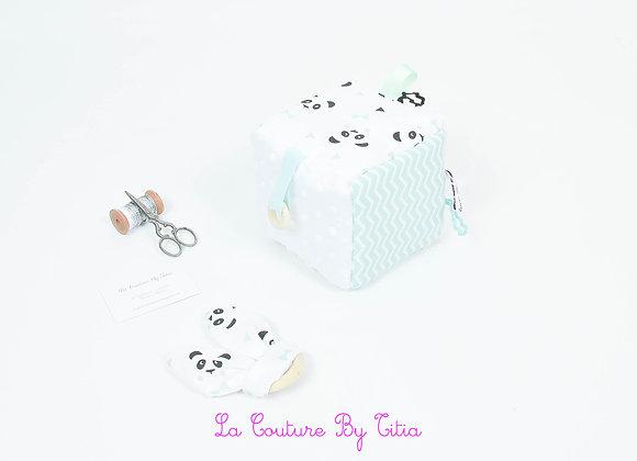 Cube, jeu d'éveil inspiration Montessori minky blanc, panda et chevron vert