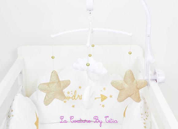 Mobile musical bébé étoiles lune, nuage minky blanc et étoiles or