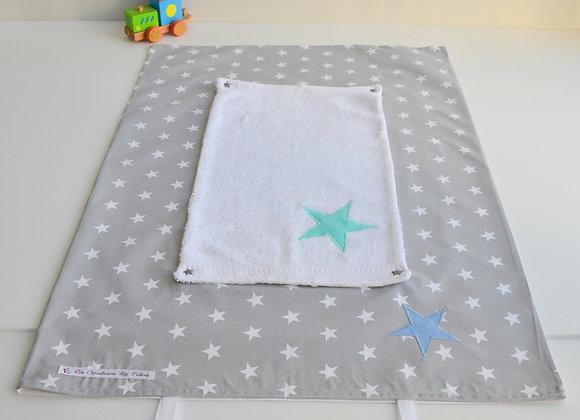 Housse de matelas à langer avec éponge gris et étoiles vert et bleu