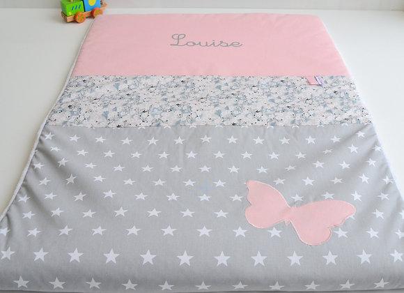Couverture bébé personnalisable gris, rose et papillon Liberty Mitsi perle