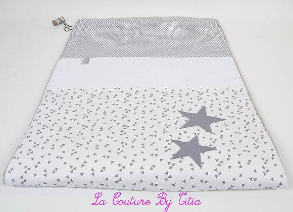 Couverture bébé personnalisable gris et blanc formes géométriques