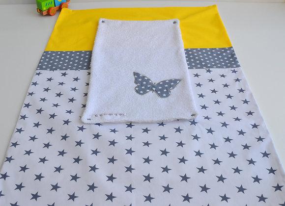 Housse de matelas à langer avec éponge gris, blanc et papillon jaune