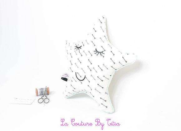 Coussin de décoration de chambre bébé forme étoile ethnique flèches