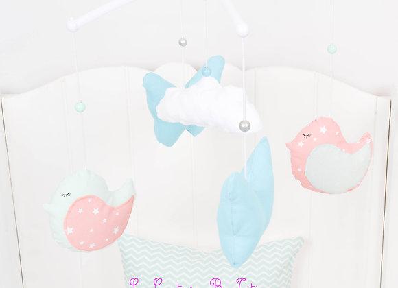 Mobile musical bébé oiseau vert d'eau, papillon turquoise et nuage minky blanc