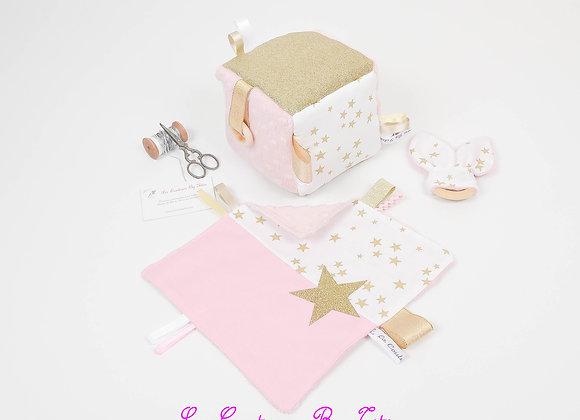 Cube d'éveil inspiration Montessori, hochet et doudou minky blanc et or