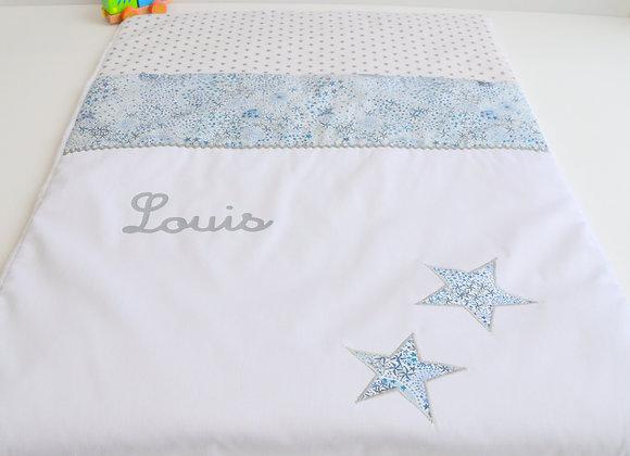 Couverture bébé personnalisable blanc et étoiles Liberty Adelajda