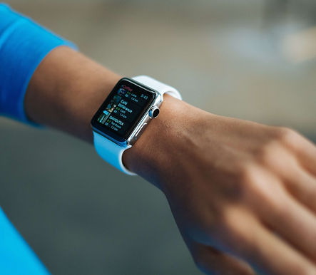Smartwatch IoT wearable for health monit