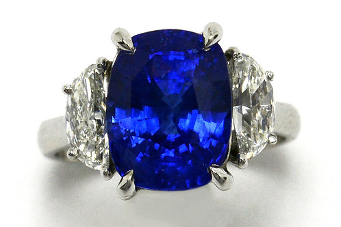 Trinity engagement ring blue sapphire with 2 diamonds made from platinum