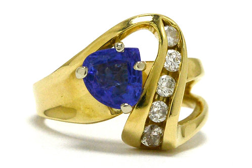 Tanzanite diamonds cocktail ring 14k yellow gold triangle trillion gem