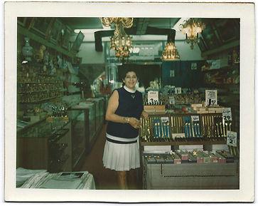 antique store, estate jewelry