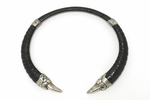 Gothic medieval ostrich leather claw choker necklace