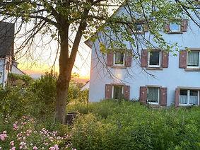 Haus Rechts sonne.jpg