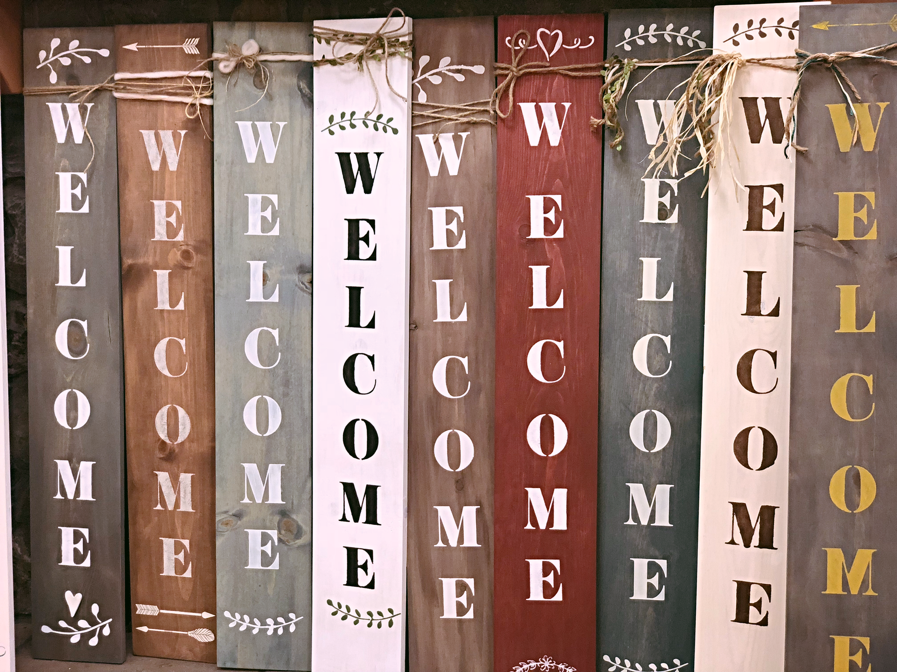 The Welcome Sign with THREE & ME