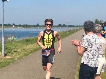 Maria Powell on the finishing straight