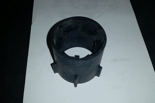 Aero headlight bulb retainer-used