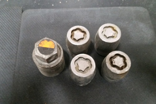 Original Ford wheel lock set-used