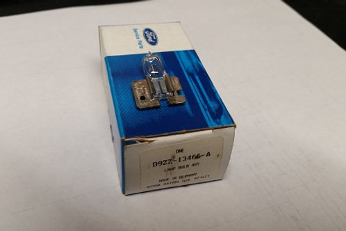 Marchal 750 Fog lamp bulb-New Old Stock Ford