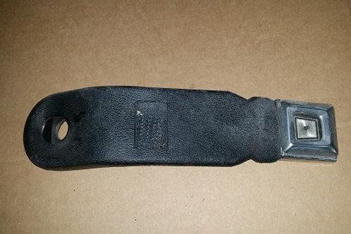 90-93 Mustang RH Seat belt buckle-Black-used