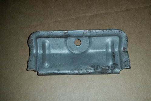 79-86 Battery hold down bracket-used