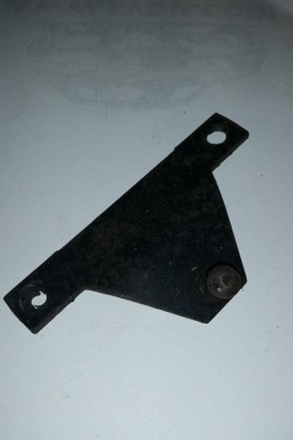 79-93 Mustang Hatchback Lift arm bracket-used