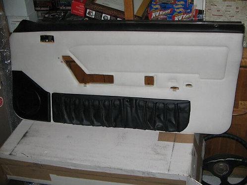 91-93 Mustang Convertible Passneger Door panel-White/Black-New Old Stock