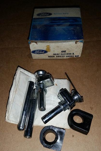1973-89 Ford Rear door safety lock set-NOS