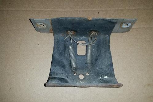 84-92 Lincoln Mark VII LSC foglamp bracket-used